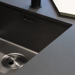 Dettaglio di un lavabo ricoperto in FENIX NTM® di Arpa Industriale