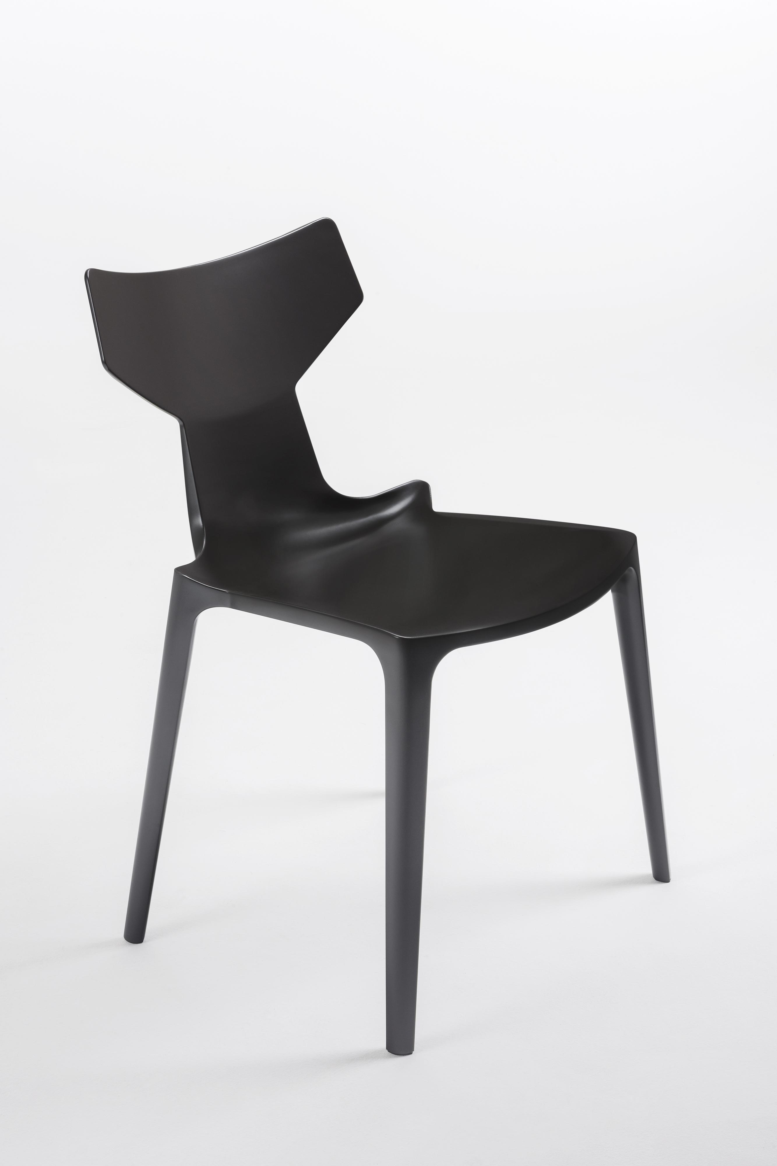 Organic chair design Antonio Citterio per Kartell Bioduratm  @softer marchio registrato, in esclusiva per Kartell.