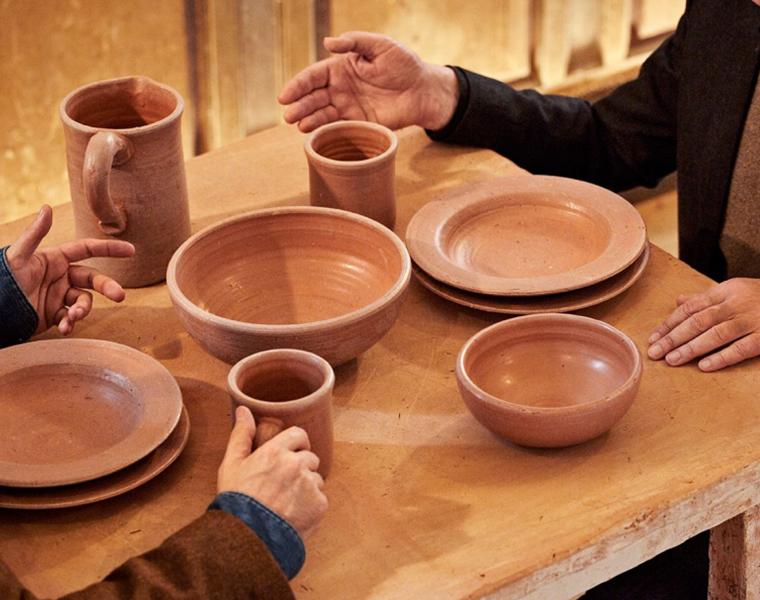 I prodotti per la tavola, design by Luca Cipelletti (foto dal catalogo de Il museo della merda)