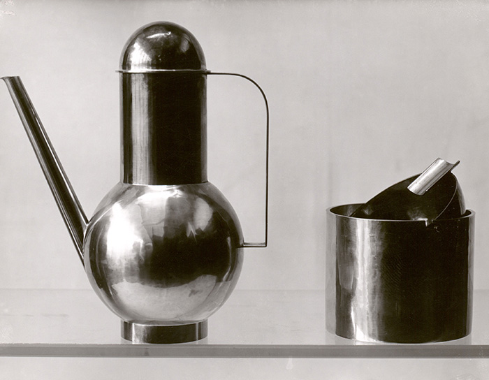 Lucia Moholy_Bauhaus metal workshop_objects designed by Marianne Brandt 1924 © Bauhaus-Archiv Berlin