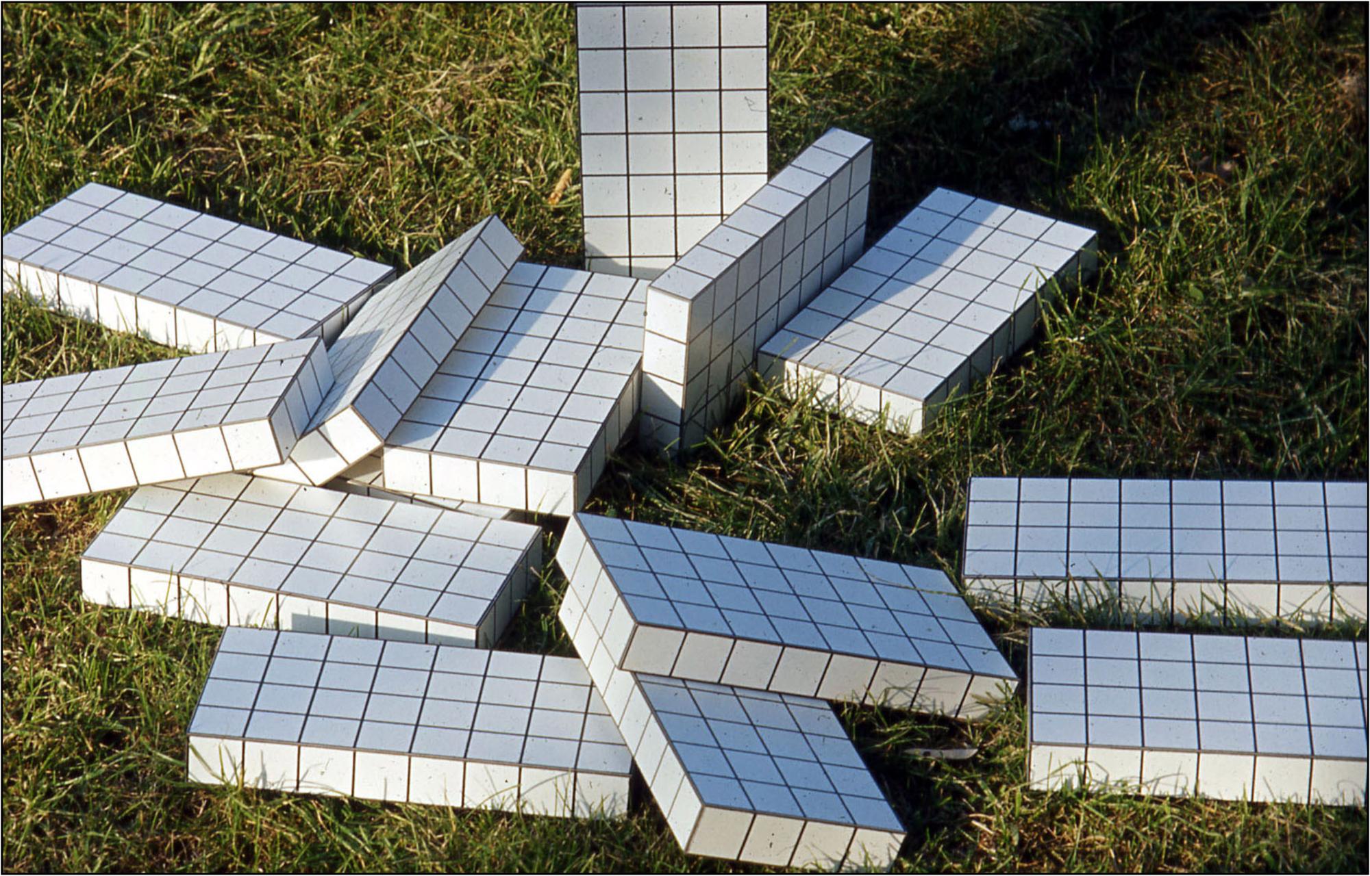 Istogrammi d'architettura, 1969, mattoni di istogrammi (foto C. Toraldo di Francia)
