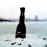 Li Wei , Cina, Liwei falls to the ice hole, Beijing 31 01 2004