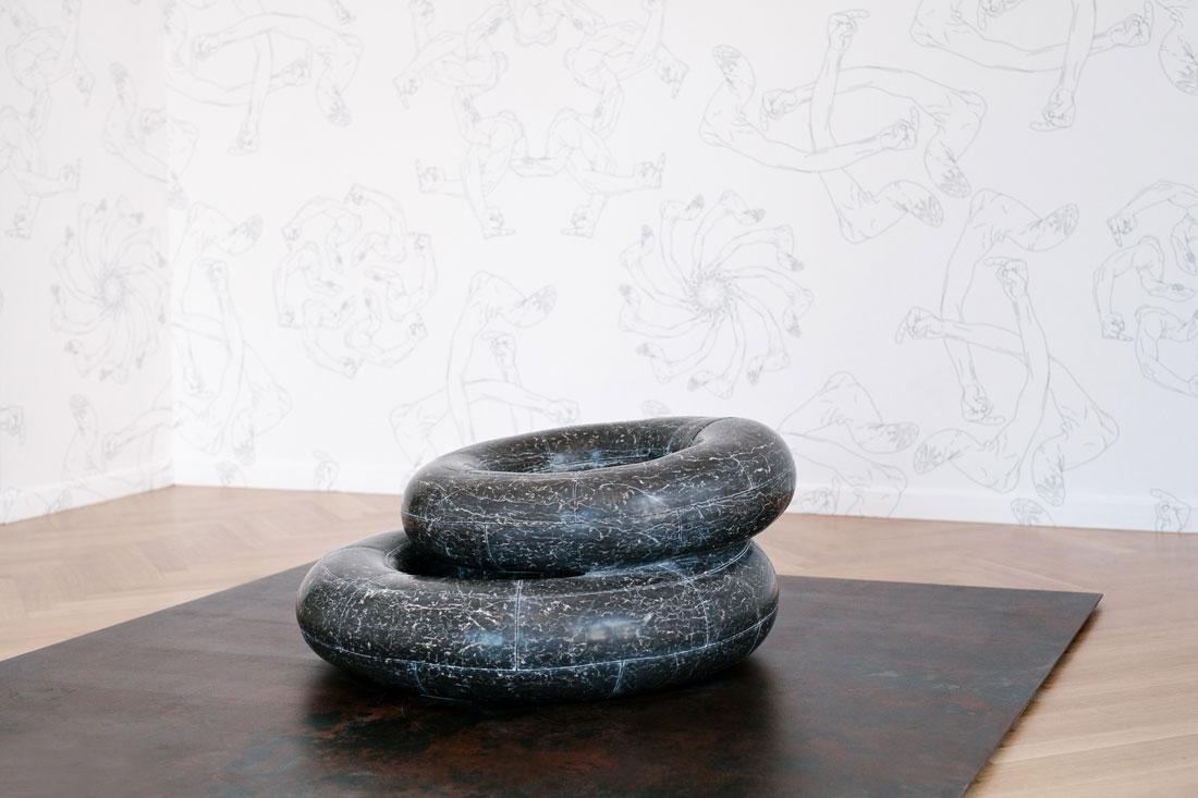 Tyre, 2016, marble, 100 x 80 x 40 / 80 x 80 x 20 cm. Photo: Paris Tavitian © Museum of Cycladic Art