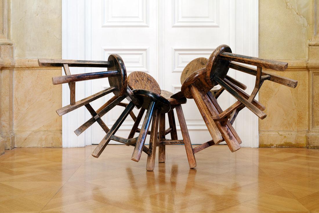 Grapes, 2011, 11 wooden stools, 165 x 140 x 90 cm. Photo: Paris Tavitian © Museum of Cycladic Art