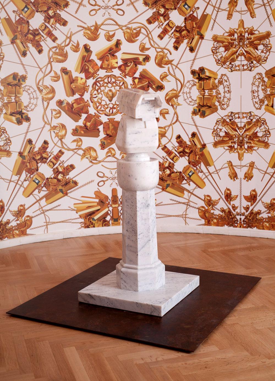 Surveillance Camera with Plinth, 2015, marble, 120 x 52 x 52 cm. Photo: Paris Tavitian © Museum of Cycladic Art
